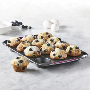 Trudeau METAL 12-COUNT MUFFIN PAN