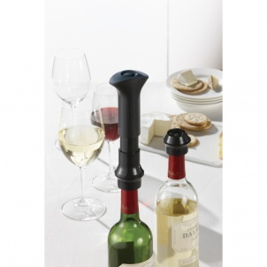 Trudeau WINE PRESERVING PUMP WITH 2 STOPPERS