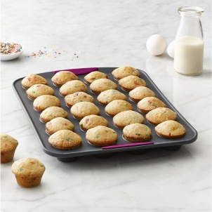 Trudeau STRUCTURE SILICONE™ 24 COUNT MINI MUFFIN PAN