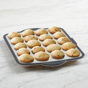 Trudeau Structure Silicone™ PRO 20-count Mini Muffin Pan with Marble effect