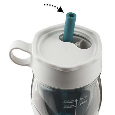 <BR>Flexible silicone straw retracts under protective lid<BR>