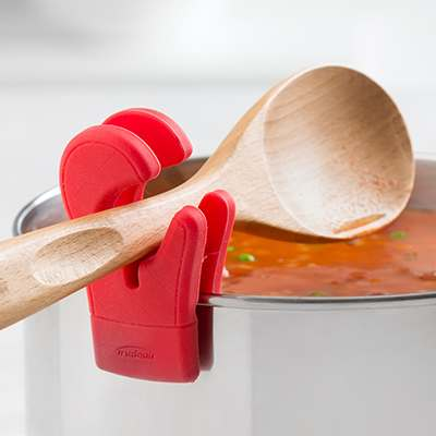 <BR>Clips onto most pots