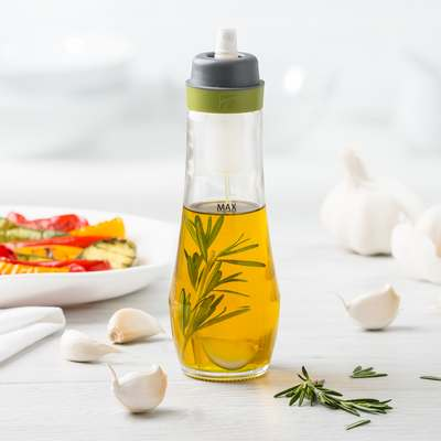 <BR>Integrated filter to infuse your oil