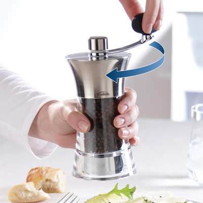 <BR>Four times easier - The Stress Less mills let you grind salt and pepper with the simple turn of a crank<BR>