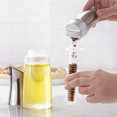 <BR>Step 2: Add desired spices to the infuser<BR>