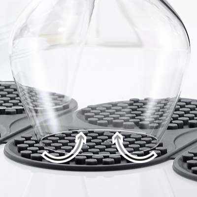 <BR>Allows air inside the glass for minimal water spots
