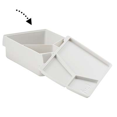 <BR>Divided container<BR><BR>