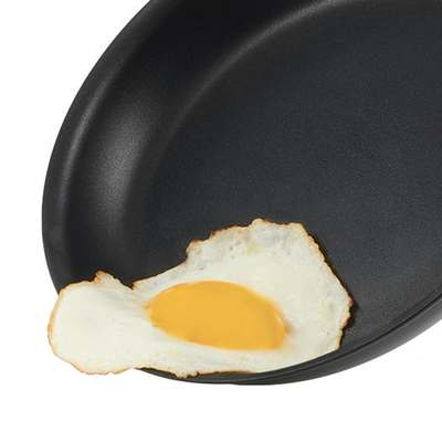 <BR>Hard-wearing 3-ply non-stick coating<BR>